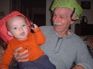 http://www.eichemiller.com/albums/December2002/basket-hats-sm.jpg
